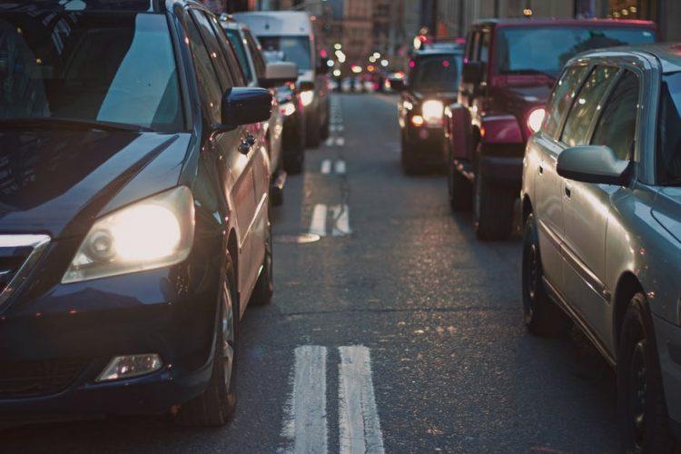 Transport samochody korki ruch drogowy Poznań