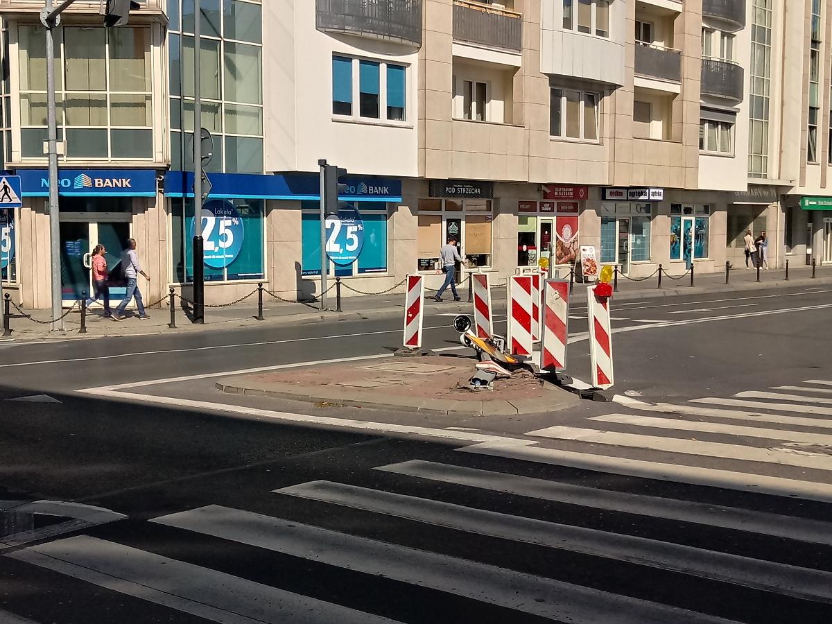 Uszkodzono wyłączoną sygnalizację na Garbarach/Wielkiej