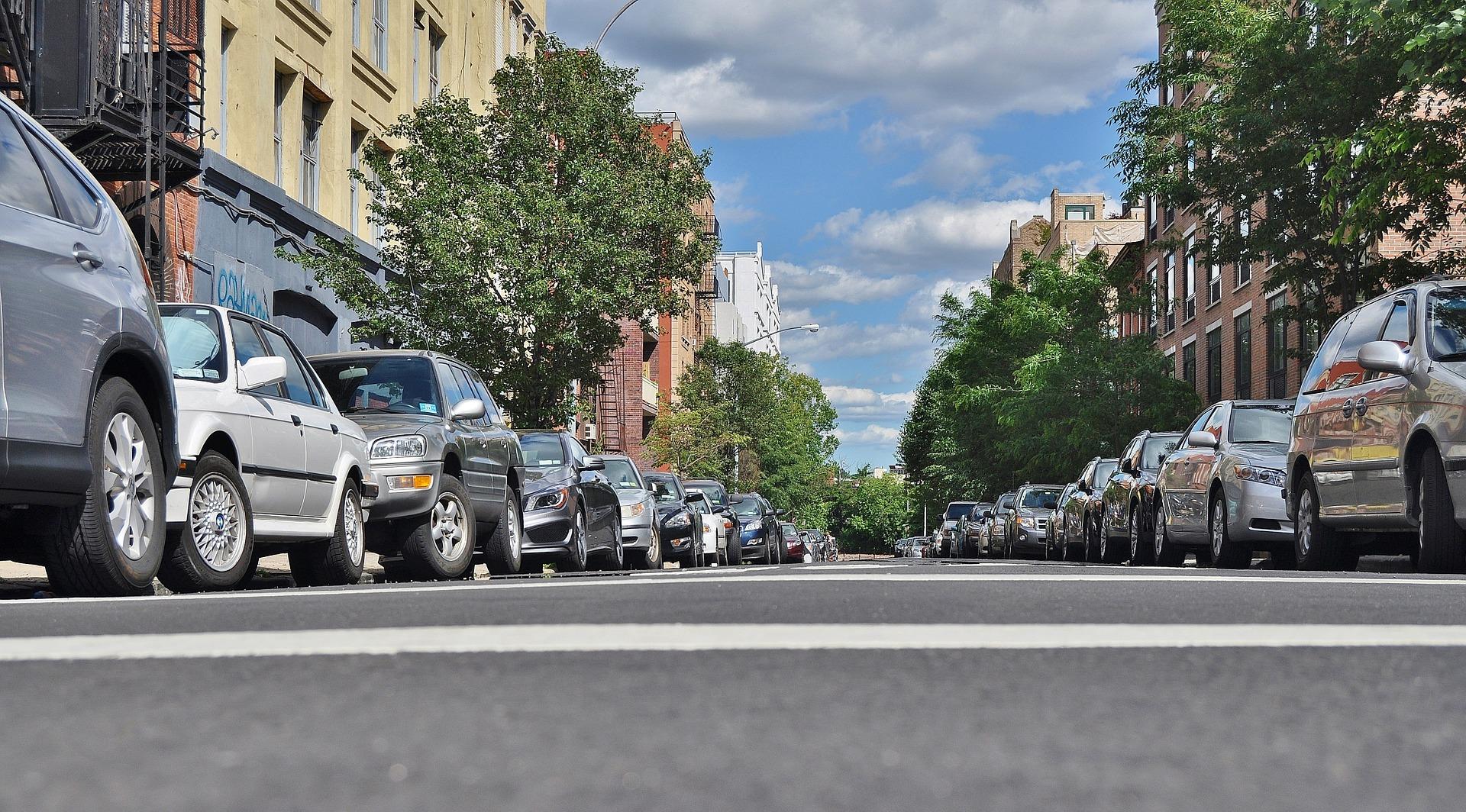 Bydgoszcz walczy z parkowaniem na chodnikach #UczSięPoznaniu