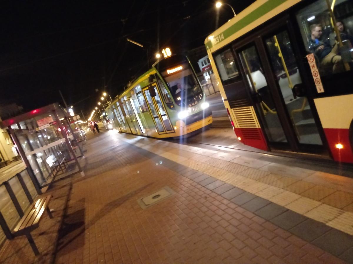 Poznań Dąbrowskiego Żeromskiego skrzyżowanie korki autobus tramwaj 2