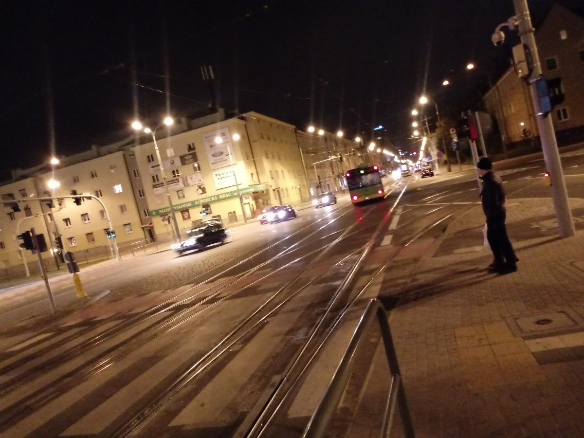 Poznań Dąbrowskiego Żeromskiego skrzyżowanie korki autobus tramwaj 3