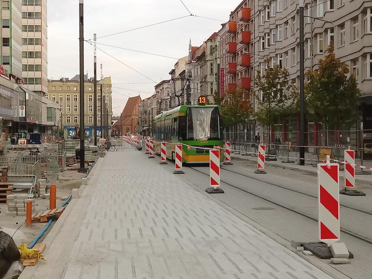 Poznań Święty Marcin fotorelacja zdjęcia drzewa Projekt Centrum 8