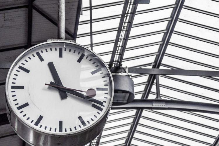 Zmiana czasu 2019 czas letni czas zimowy kiedy przestawiamy zegarki