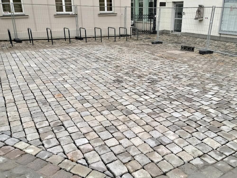 Poznań Stary Rynek przełożona kostka