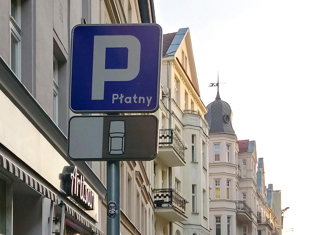 Poznań parkowanie strefa SPP znak na Szkolnej