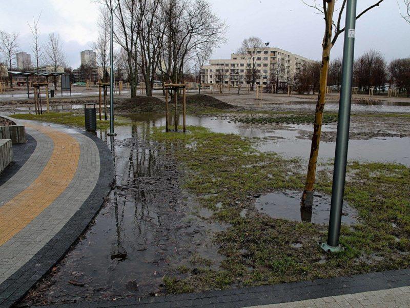 Zalegająca woda podtopienia Park Rataje Poznań
