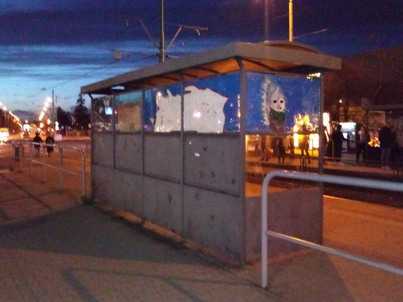 Poznań wiata Kórnicka odmalowany w ramach akcji Przystanek jak malowany