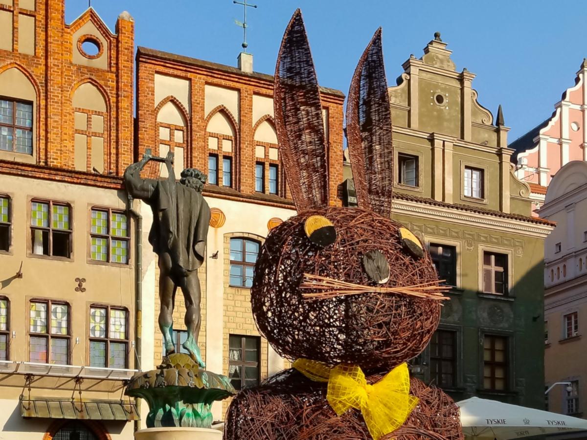 Na Starym Rynku trwa Jarmark Wielkanocny