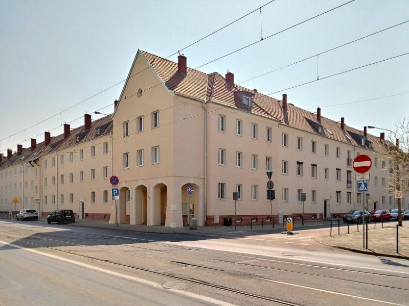 Jeżyce róg Dąbrowskiego i Długosza - renowacja budynku