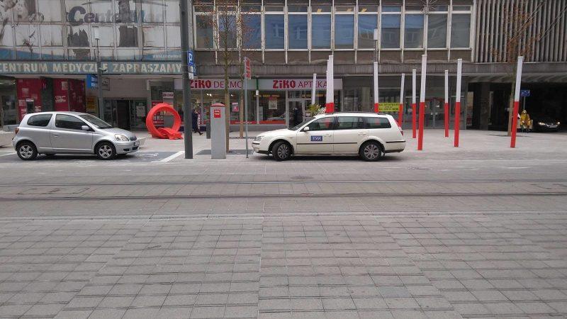 Poznań Święty Marcin Kantaka nielegalne parkowanie TVP