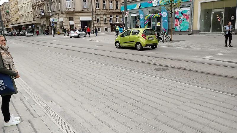 Poznań Święty Marcin strefa zamieszkania niebezpieczeństwo piesi