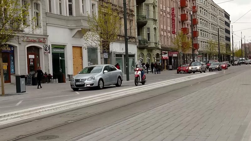 Poznań Święty Marcin strefa zamieszkania niebezpieczeństwo wyprzedzanie