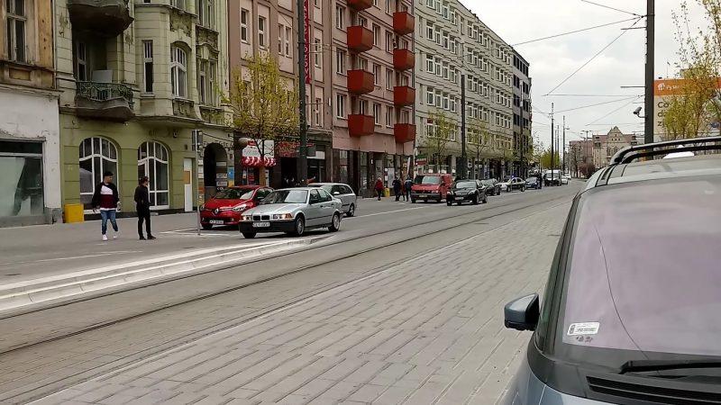 Poznań Święty Marcin strefa zamieszkania niebezpieczeństwo ignorowanie pieszych