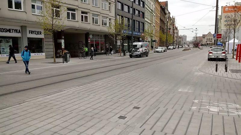 Poznań Święty Marcin strefa zamieszkania niebezpieczeństwo piesi pierwszeństwo