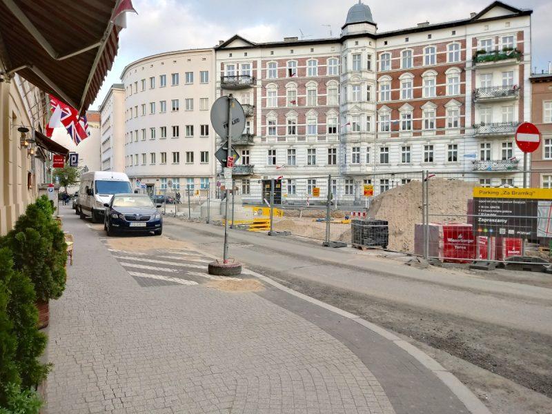Widok z ulicy Ślusarskiej - przebudowa Placu Kolegiackiego