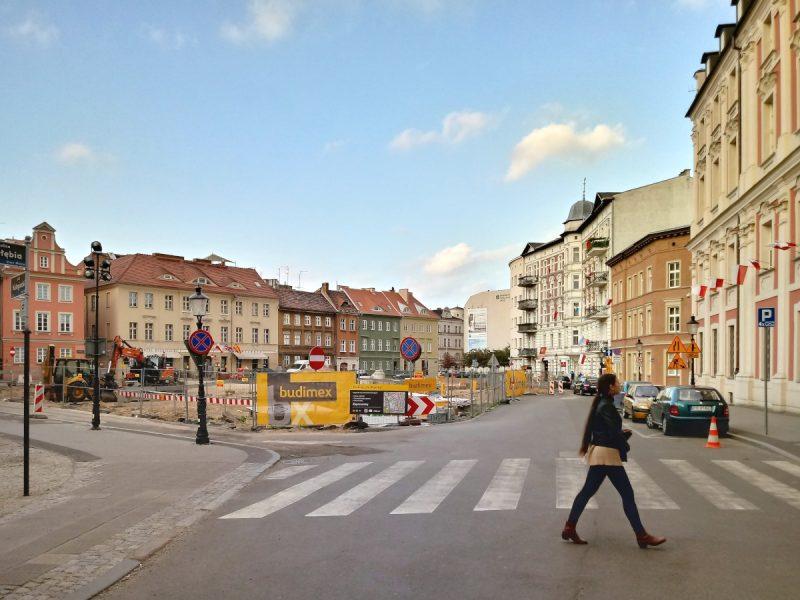 Poznań Plac Kolegiacki widok ulica Wodna