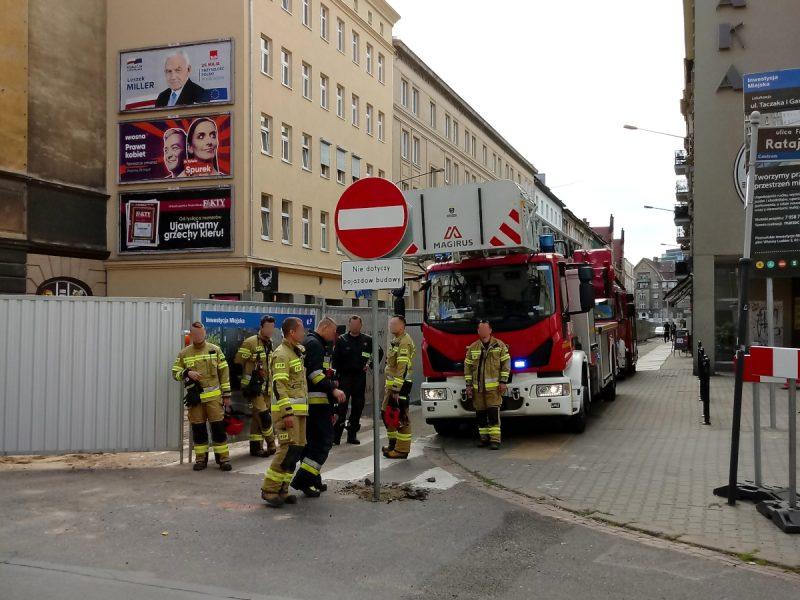 Poznań strażacy brak przejazdu na ulicy Taczaka