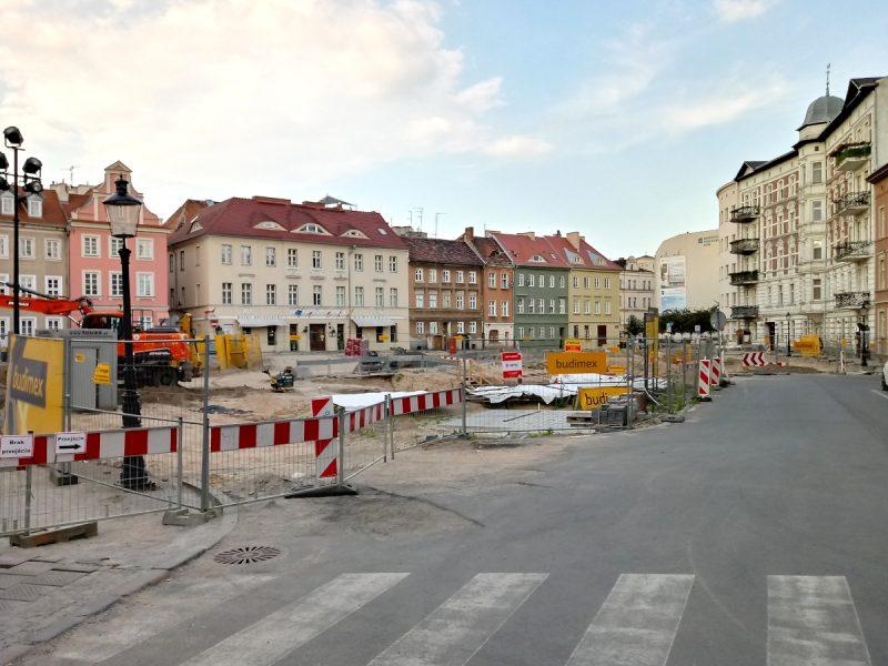 Poznań przebudowa Placu Kolegiackiego czerwiec fotorelacja