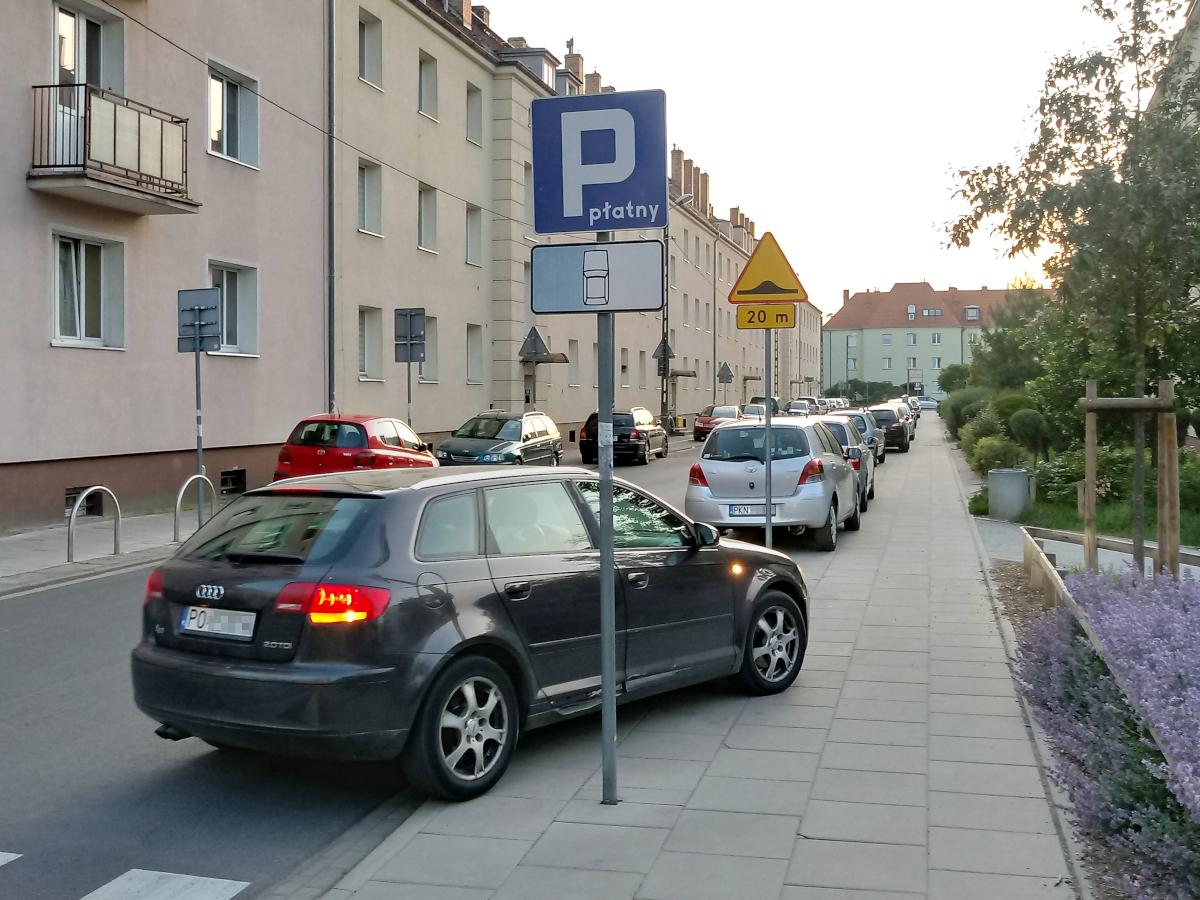 Opłaty za parkowanie na ul. Jackowskiego pobierane niezgodnie z prawem