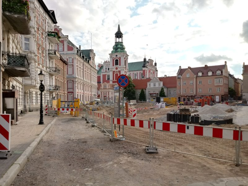 Nowy Plac Kolegiacki - trwa inwestycja w centrum Poznania