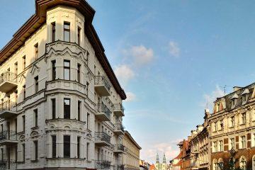 """""""Żelazko"""" i oś ulicy Długiej prowadząca do kościoła przy Placu Bernardyńskim"""