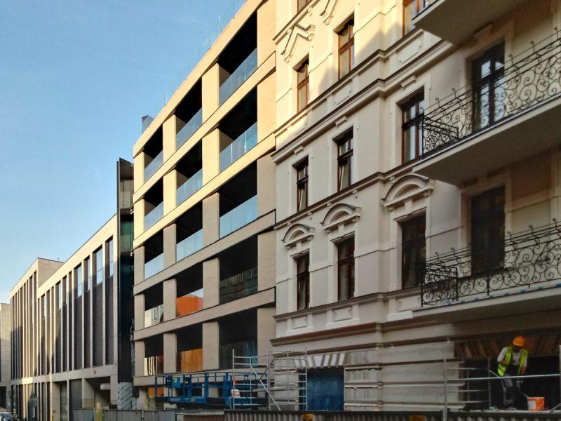 Krysiewicza 3 i postmodernizm - Constructa Plus, Poznań