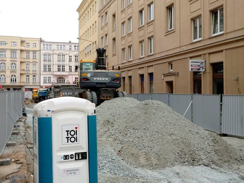 Kruszywo na podbudowę i koparka na Taczaka - Poznań Stare Miasto