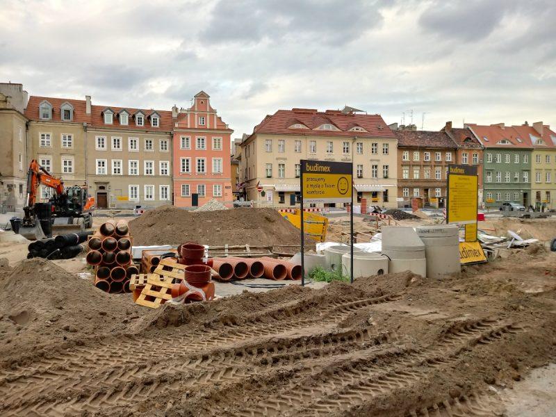Poznań kolegiata ruiny na Placu Kolegiackim sierpień