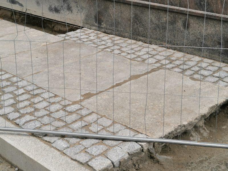 Granitowe płyty i pierwszy chodnik - Taczaka, Garncarska, sierpniowa fotorelacja