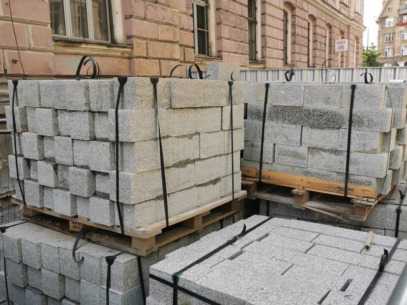 Kostka granitowa rzędowa na Taczaka - przebudowa Projekt Centrum, rewitalizacja