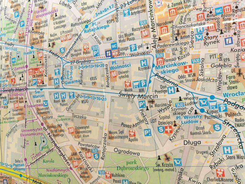 Plan miasta, informacja pasażerska w Rondzie Kaponiera