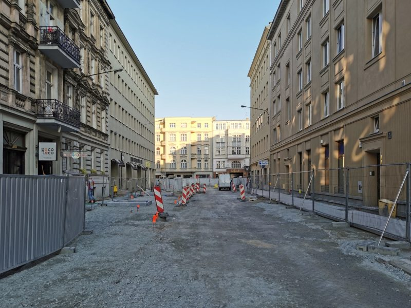 Budowa ulicy Taczaka i Garncarskiej - widok na ulicę Ratajczaka