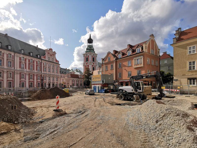 Budimex przebudowuje poznański Plac Kolegiacki - wlot ulicy Ślusarskiej w Poznaniu