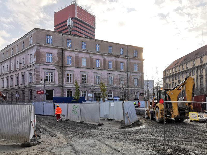 Ulica Taczaka i Kościuszki. Budowlańcy nareszcie zabrali się za roboty na skwerze przy ul. Kościuszki. Projekt Centrum Poznań