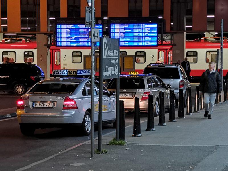 Parking Pocałuj i Jedź Poznań Główny listopad