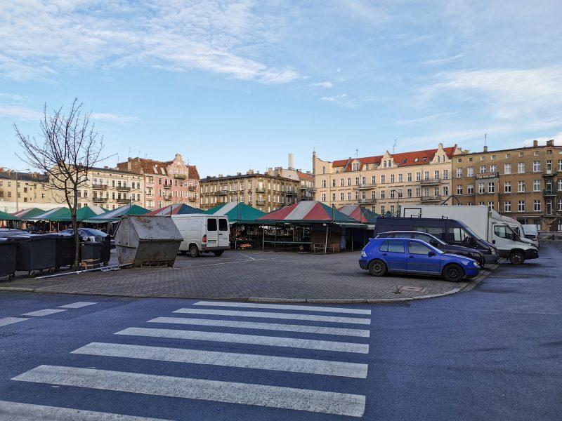Rynek Łazarski z perspektywy ulicy Kącik. Łazarz, inwestycja