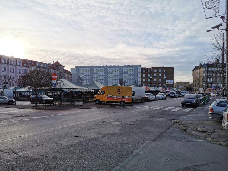 Patrzymy z kierunku ulicy Małeckiego