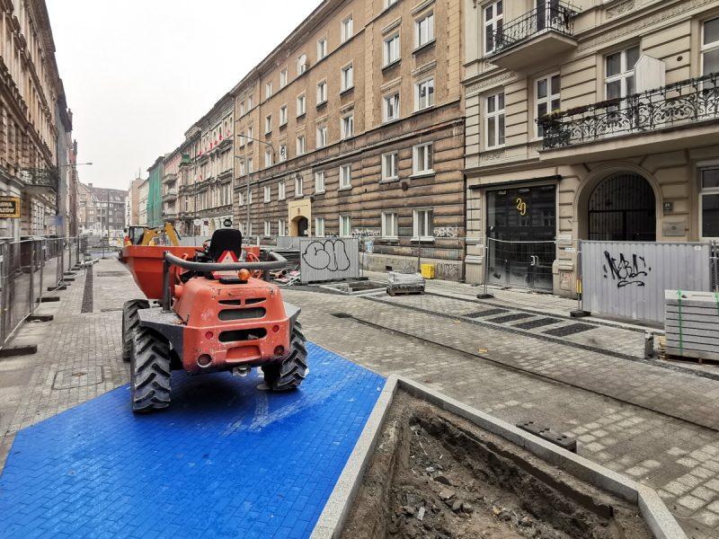Nawierzchnia jezdnie także już gotowa (z małymi wyjątkami). Po ulicy Taczaka pojadą kierowcy (jednokierunkowo) i rowerzyści (dwukierunkowo)