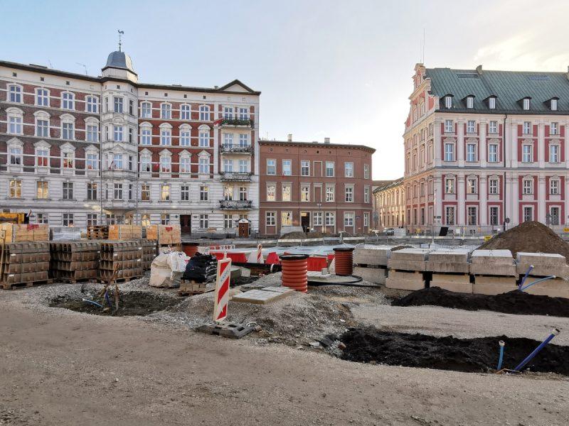 Składowisko materiałów budowlanych: odwodnienia liniowego, bloczków betonowych, kostki