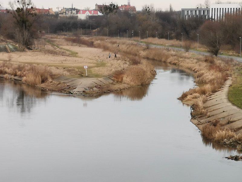 Widok na Wartę i kanał ulgi. Poznań, rzeka, pogoda