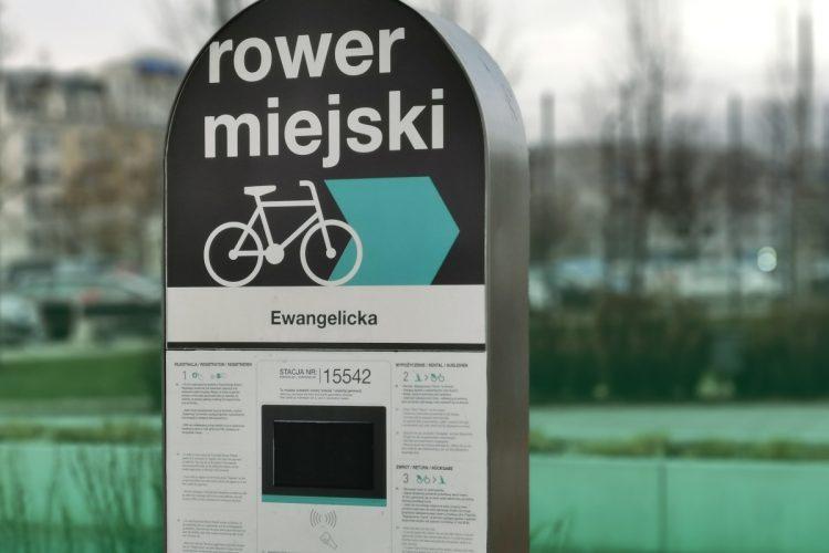 Poznański Rower Miejski obsługuje NB Poznań, spółka-córka Nextbike Polska. Poznań rowery miejskie