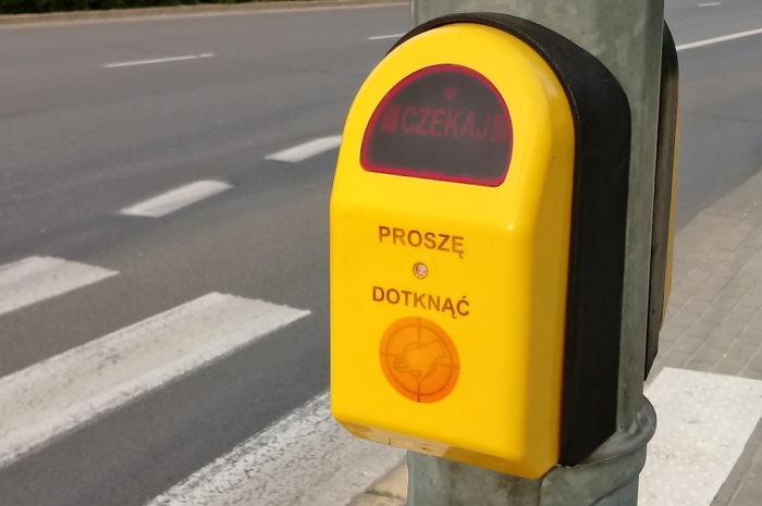 Aktywne przyciski dla pieszych – wbrew deklaracjom drogowców
