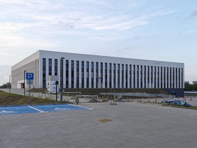 Wydział Architektury oraz Inżynierii Zarządzania widziany od strony Wydziału Chemii