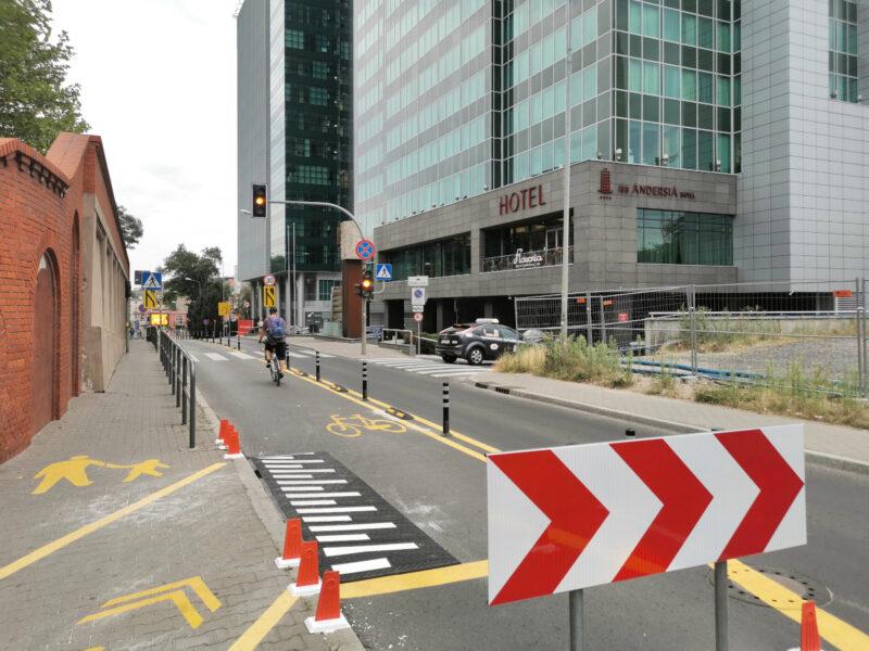Sierpień 2020: nowa droga rowerowa na ulicy Kościuszki pod Starym Browarem