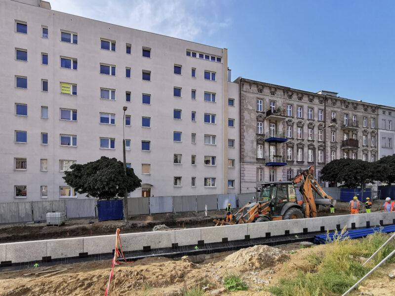 Budowlańcy rozkopują wlot od strony ulicy Głogowskiej