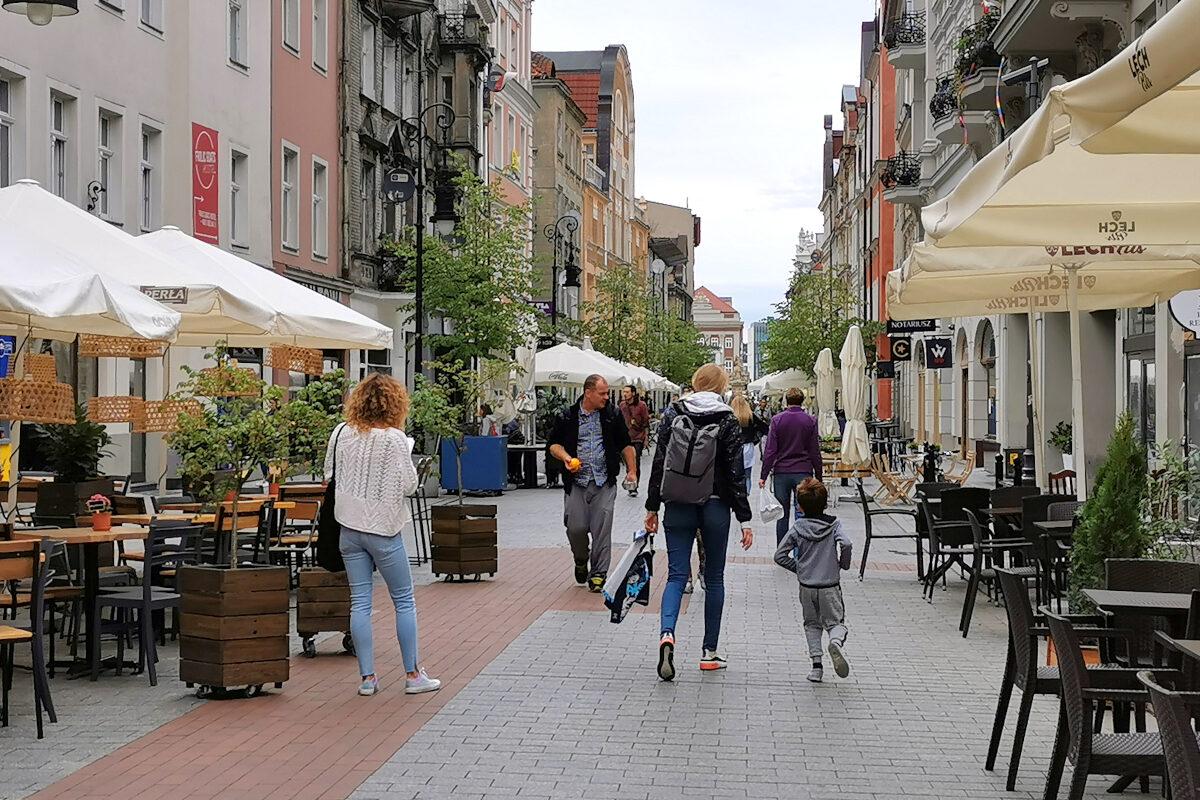 Ulica Wrocławska w Poznaniu: obfita w restauracje i puby