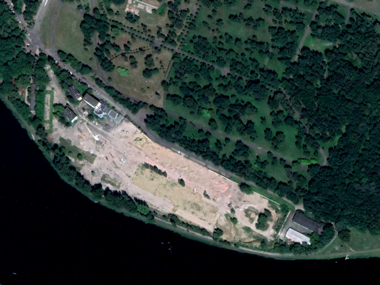 Kiedyś produkowano tu wódkę. Wyburzenia na terenie dawnej fabryki przy Jeziorze Maltańskim. Polmos Poznań, Wyborowa