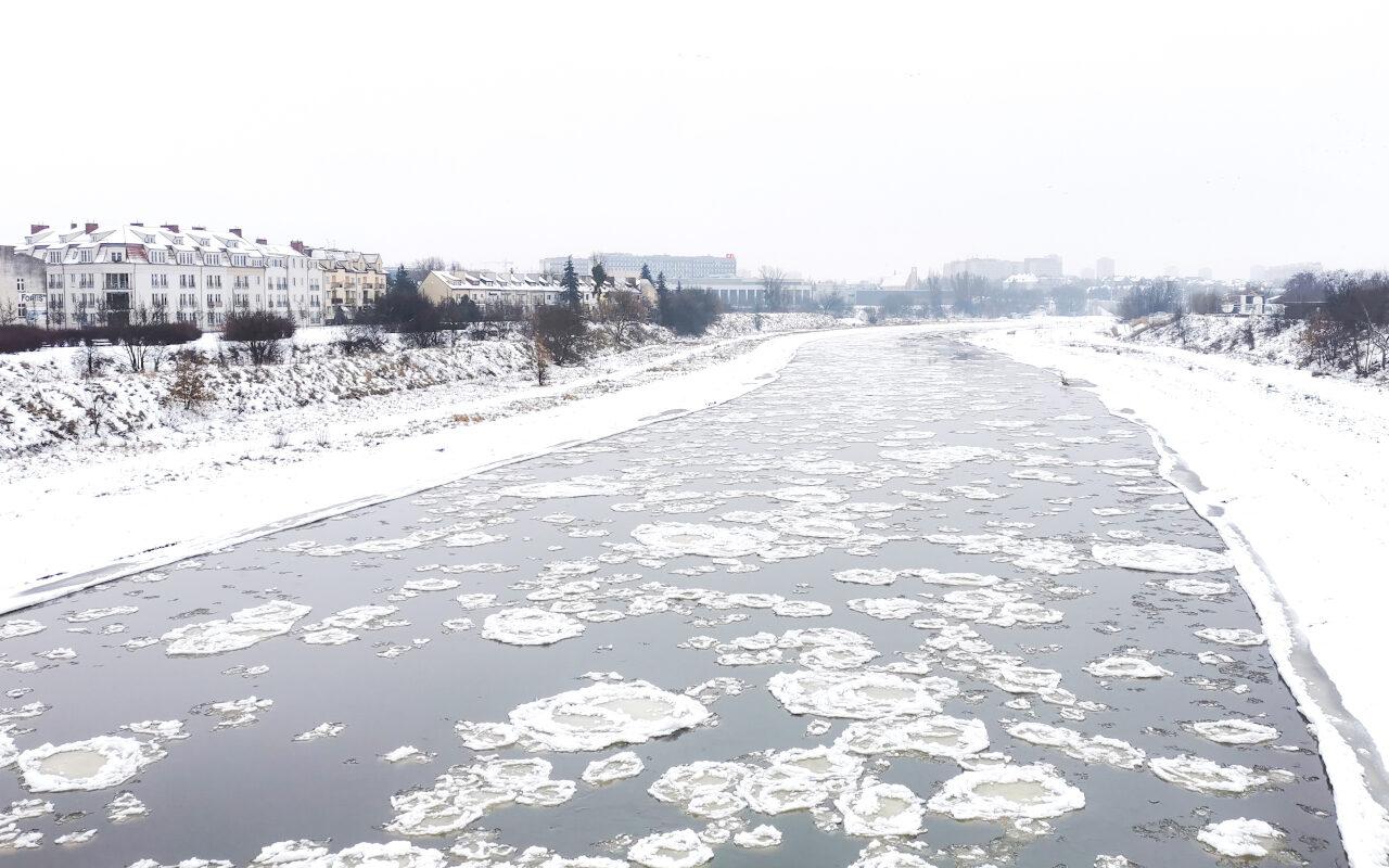 Śryż na Warcie to zjawisko charakterystyczne dla zimy