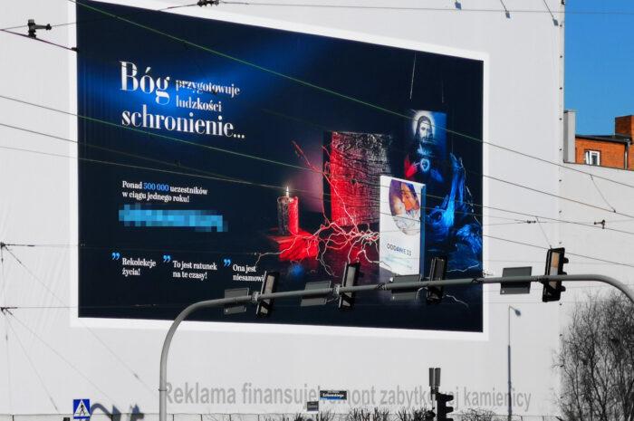 """Agencja reklamowa chce usunięcia """"informacji nieprawdziwych"""". Nowa reklama na Estkowskiego"""