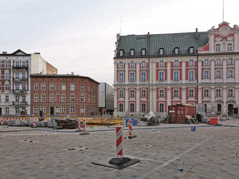 Widok z ulicy Koziej